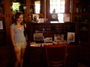 Porter's Desk